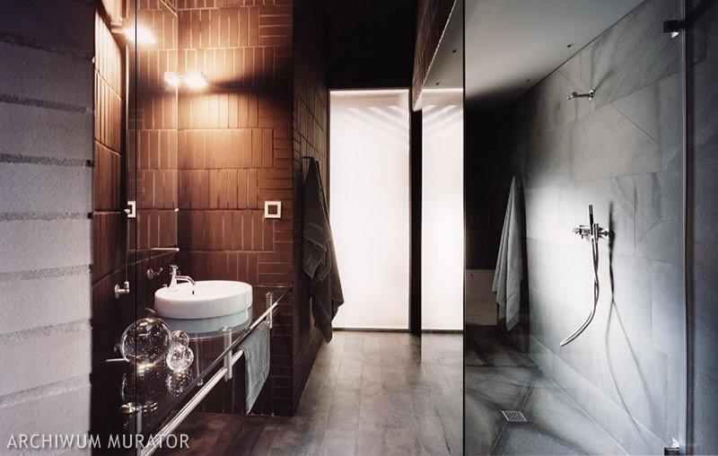 Klinkierowa łazienka
