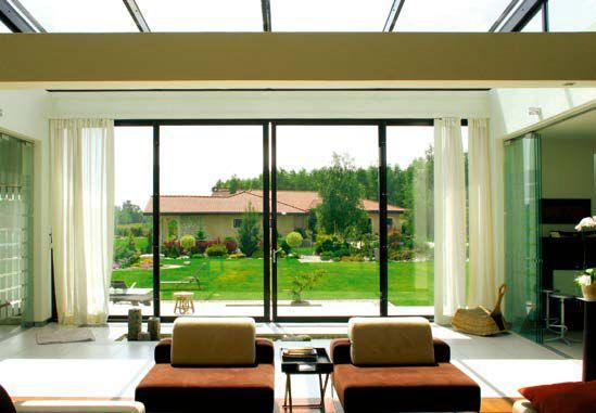 Zestawienie okien tarasowych otwieralnych i nieotwieralnych