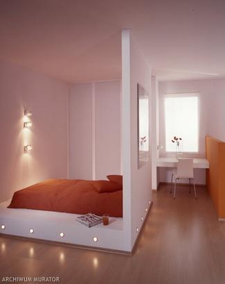 Lampy halogenowe w obudowie łóżka