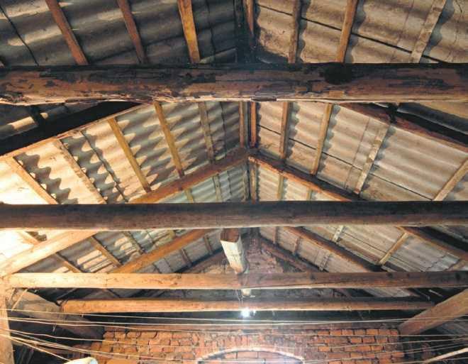Dach w budynku gospodarczym