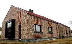 """Innowacyjny projekt """"Nowoczesnej stodoły"""". Jak dobrać system rynnowy do domu bez okapu?"""