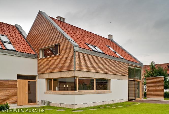 Drewno na elewacji domu