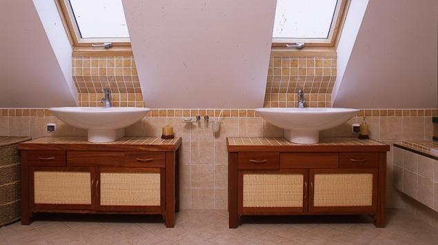 Łazienka rodzinna na poddaszu