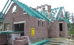 Budowa domu: wyroby silikatowe czy keramzyt? Porównanie