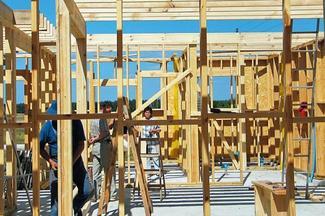 Dom murowany czy dom drewniany? - budowa domu szkieletowego