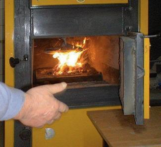 Kotły na drewno i biomasę, czyli paliwo z lasu